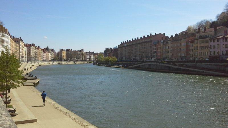 Appartement de 30m2, dans le vieux Lyon, face à la rivière Saône. Garage privé., alquiler vacacional en Lyon