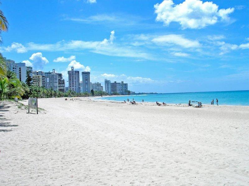 SLEEPS 11/ BEACH HOUSE IN OCEAN PARK, location de vacances à Porto Rico