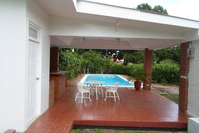 4/4 House with Pool in Upscale Neighborhood in Managua, Nicaragua, holiday rental in Jinotepe