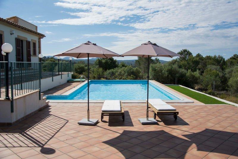 Finca perfecta para los amantes de la tranquilidad y el golf en Puntiró, location de vacances à Santa Eugenia
