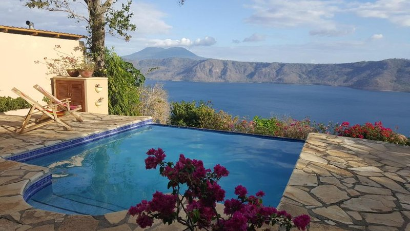 Million Dollar View on Laguna De Apoyo, holiday rental in Santa Teresa