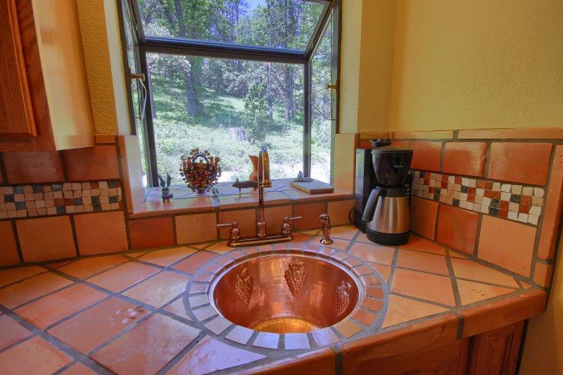 Copper sink in kitchenette