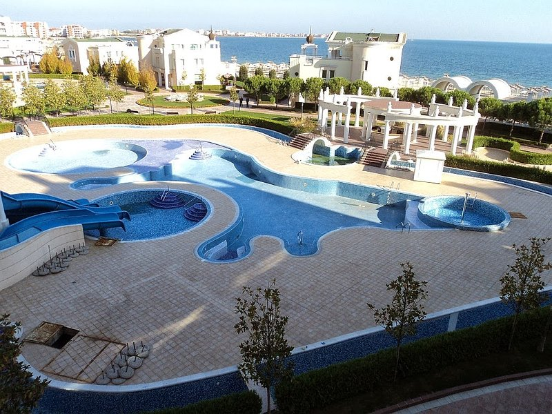 H) Sunset Resort, Pomorie, SEA VIEW, Lg 2 bed apt. in Beta building., holiday rental in Pomorie