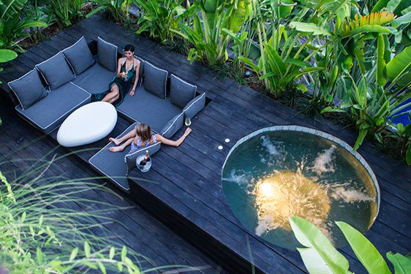 jacuzzi pool and spacious outdoor lounge