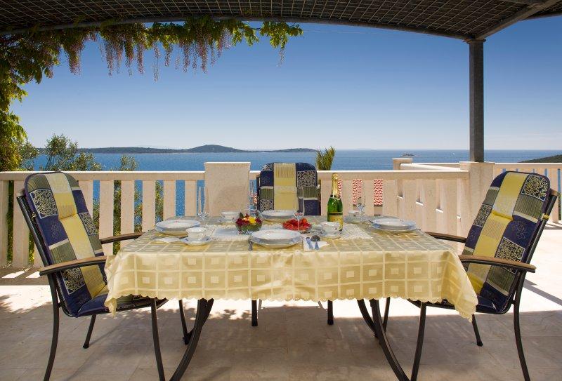 Villa Brdar, vacation rental in Vinisce