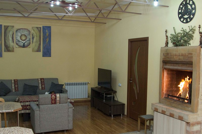 Yerevan-Sky 3 bedrooms apartment with terrace, holiday rental in Yerevan