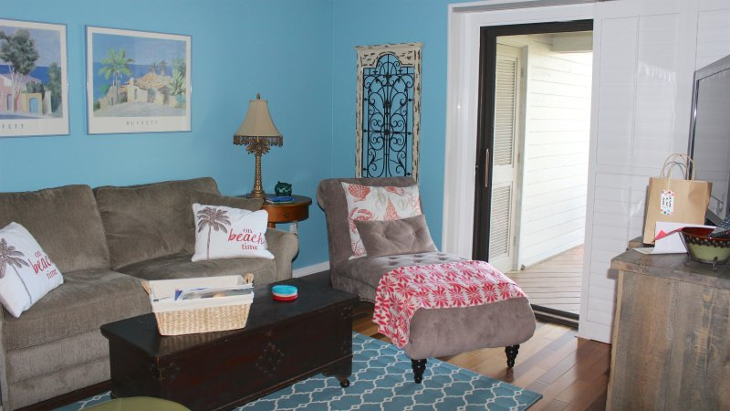 Not a bad seat to be found. Enjoy reading a book or watching a movie from the comfortable chaise.