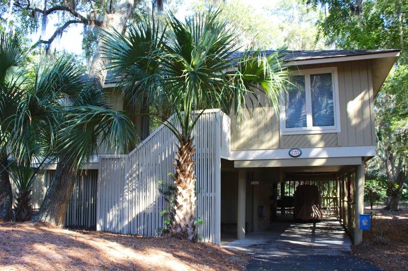 1151 Summerwind es una linda cabaña enclavada en el paisaje tropical. Es un paseo corto a las playas, piscinas, golf y restaurantes.