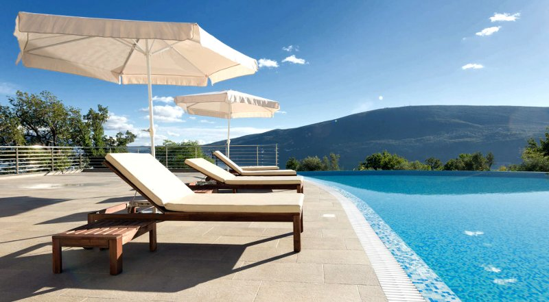 Modern and Luxury Apartment/ Acacia Hill/ Kotor Bay Stunning View/ Infinity Pool, holiday rental in Herceg-Novi Municipality