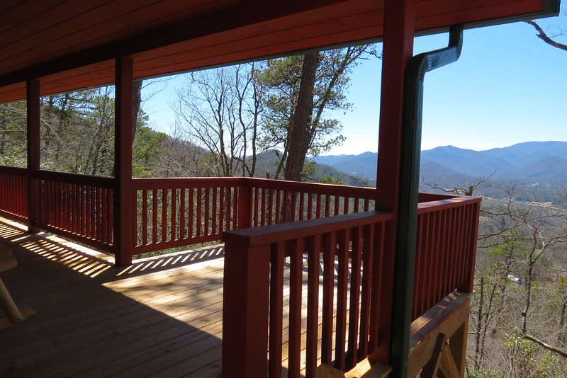 Roses Cabin, Amazing views, with peaks over 5000ft., holiday rental in Franklin