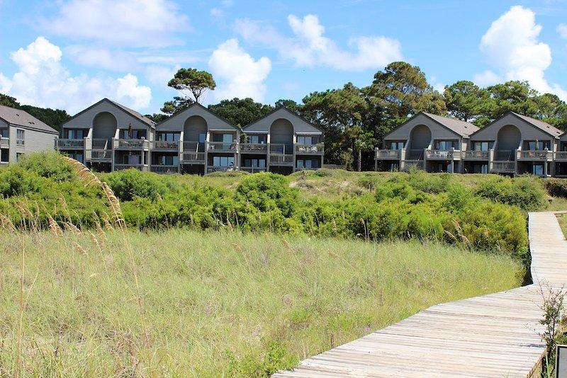 El Pelican Watch está a solo 800 metros de las piscinas del Beach Club, el campo de golf y el comedor.