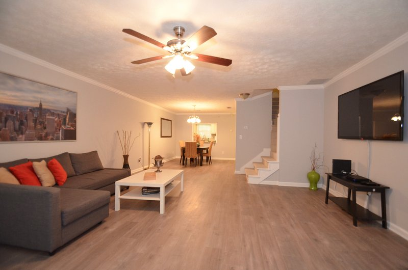 Newly Renovated, Cozy 2 BDR 2.5 BA in Conyers, holiday rental in Conyers
