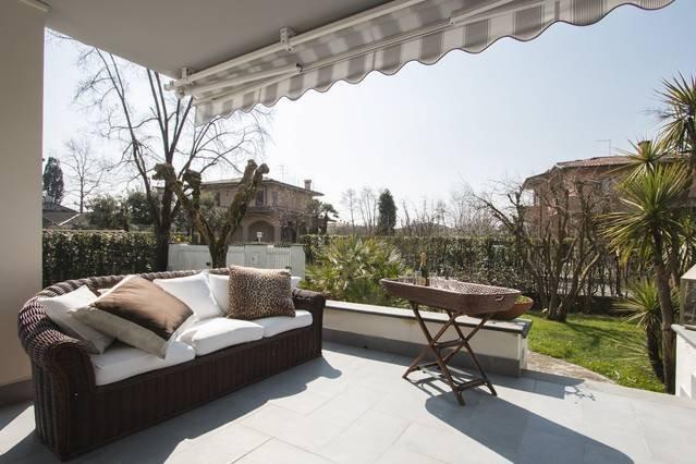 Villa Pina , relax e mare!, location de vacances à Forte Dei Marmi
