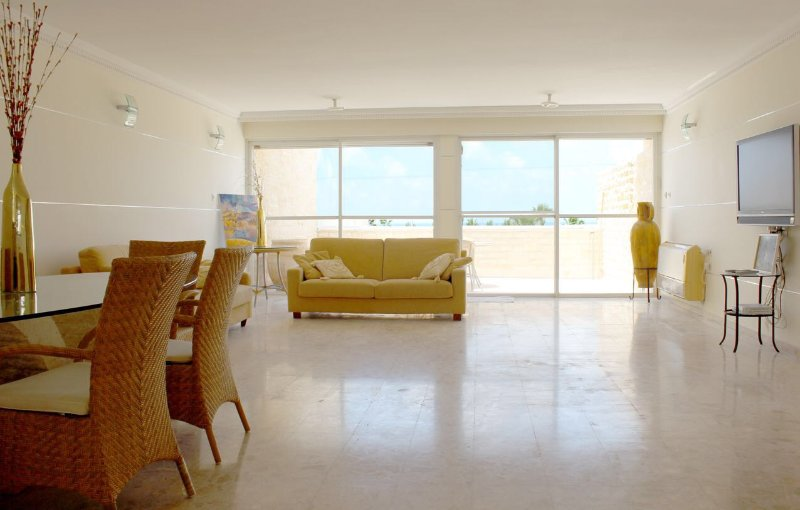 Appartment on the seaside promenade Ashdod, alquiler vacacional en Asdod