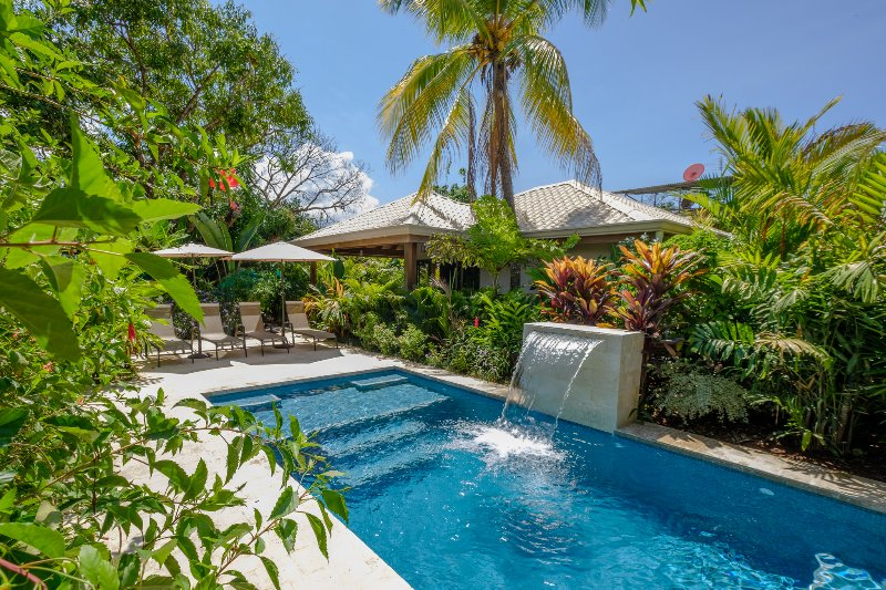 J5 Luxury 1 BDRM Villa w/Incredible Garden, location de vacances à Uvita