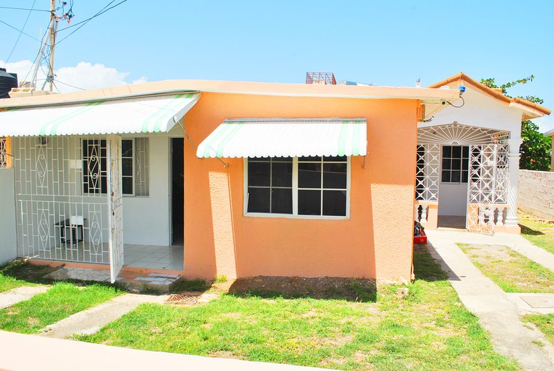 Hellshire Holiday Villas, holiday rental in Port Royal