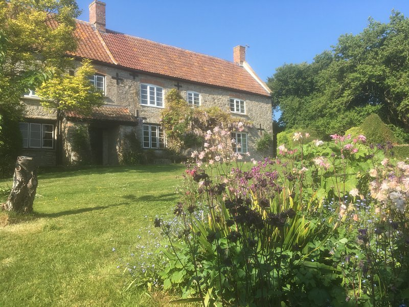 Farmhouse near Wedmore, Glastonbury and Wells, casa vacanza a Catcott