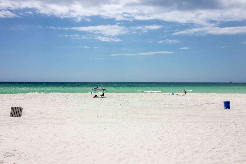 Trascorri le tue giornate in spiaggia a pochi passi dalla tua porta!