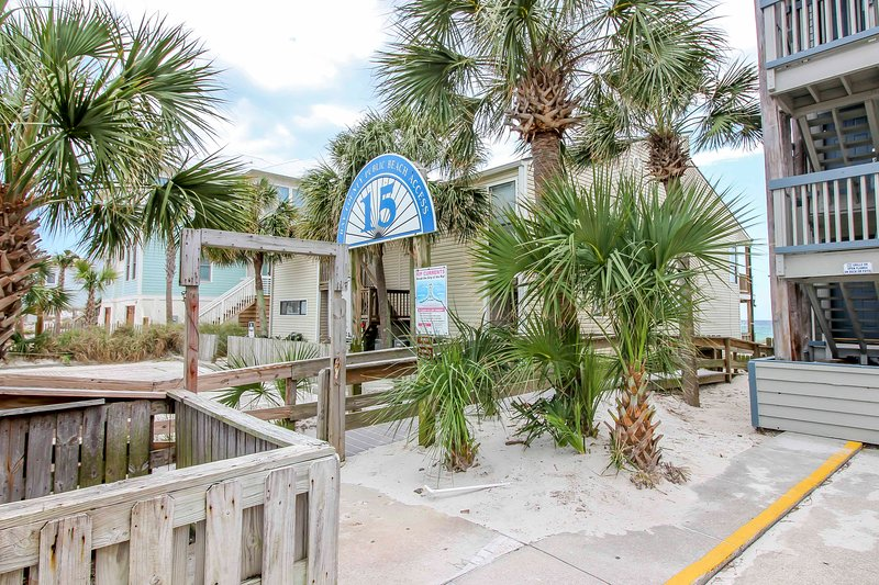 For the ultimate Florida getaway, book this cozy vacation rental condo!