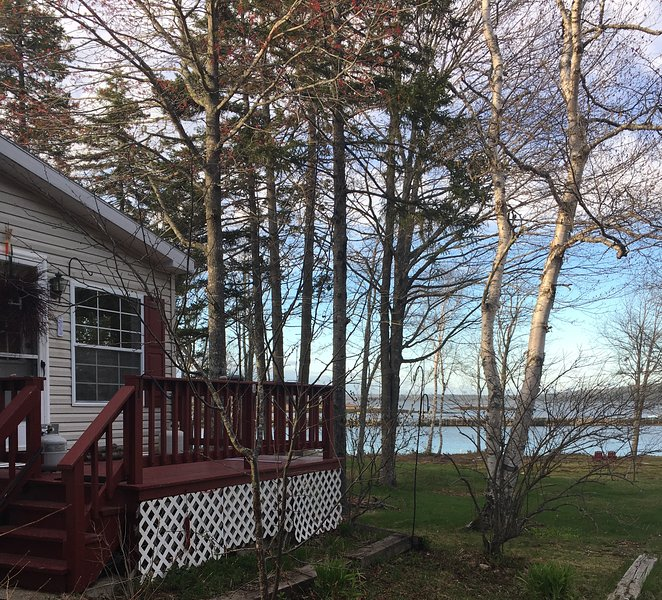 Secluded coastal retreat, 20 minutes from Schoodic Point in Acadia National Park
