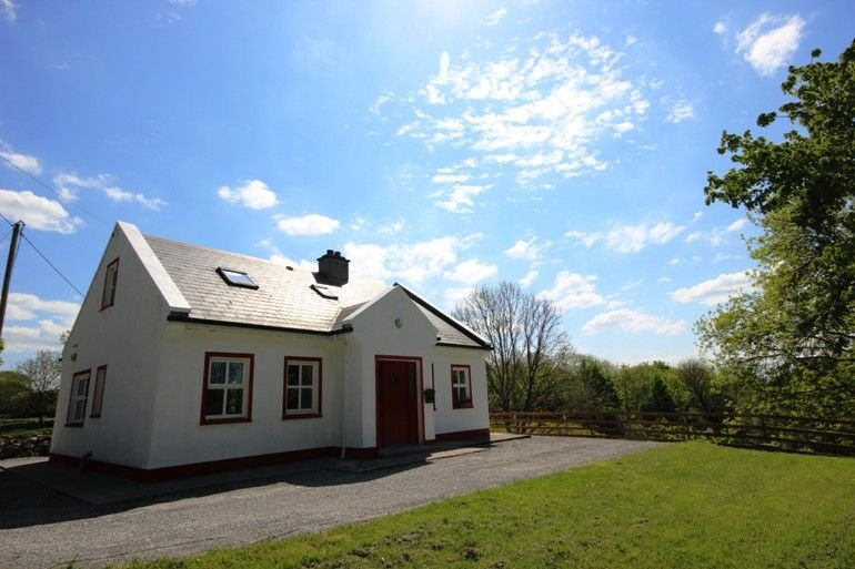 The Cottage, Neale, Cong, holiday rental in Clonbur