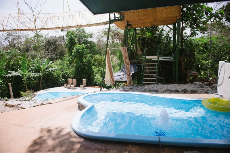 Tarzan Jungle Home for Big Families w/ AC, Pool, Zipline, holiday rental in Quepos