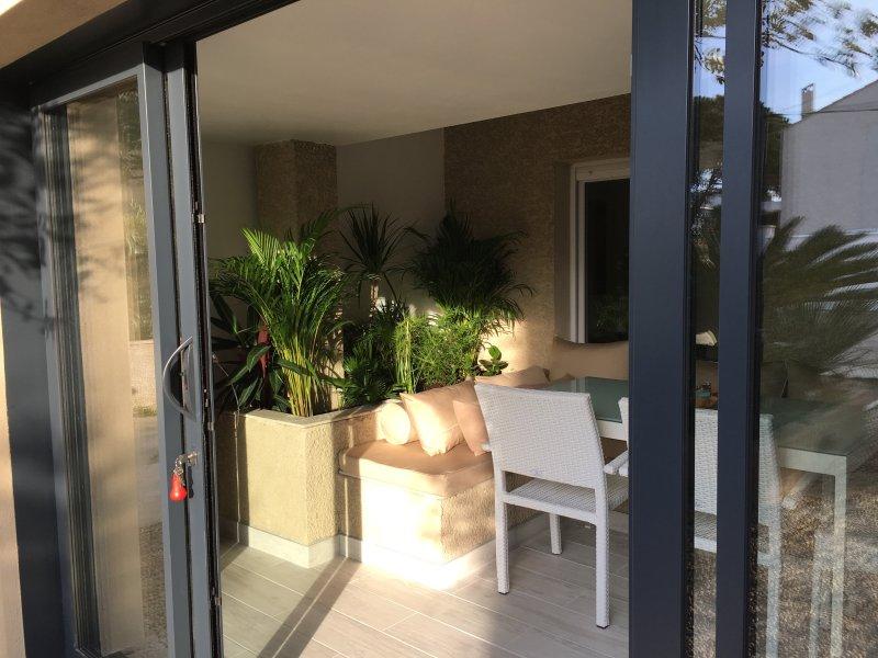 Villa Mare E Sole - Les Phares, holiday rental in La Tamarissiere