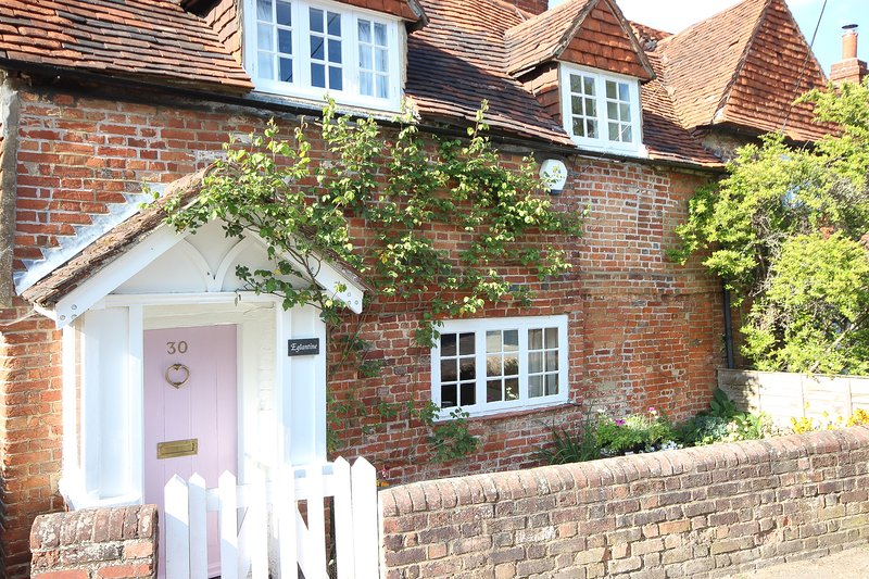 Pretty 17th Century Listed Cottage