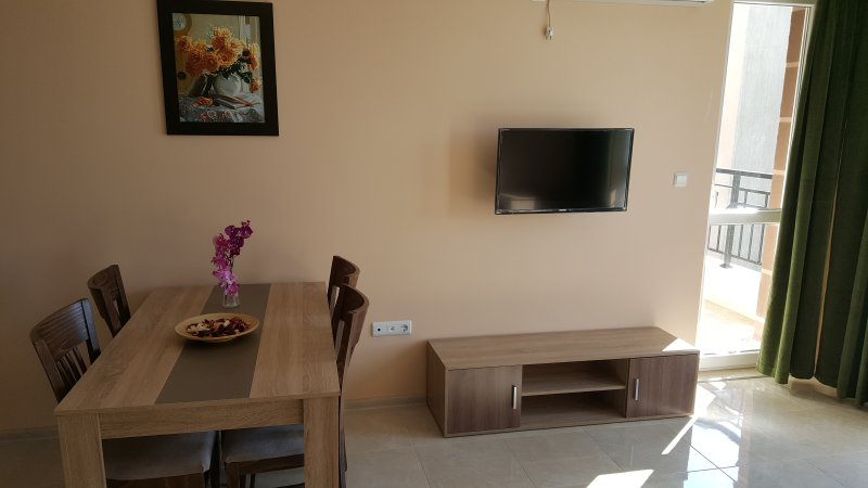 Brand new apartment, 100m from the beach, vacation rental in Pomorie