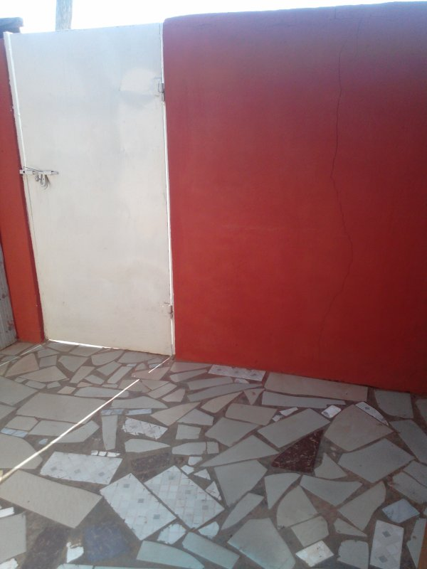 A VERY FRIENDLY APARTMENT IN THE HEART OF THE CITY ACCRA WITH SECURITY AND GATED HOUSE  AND 24/7 SEC