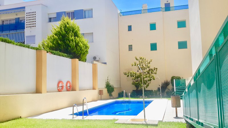 Gezellig en luxueus appartement 500meter van zee met wifi, vacation rental in Torre del Mar