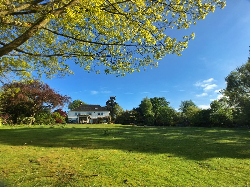 Barnfield House - set in 2-acre gardens, vacation rental in Burwash