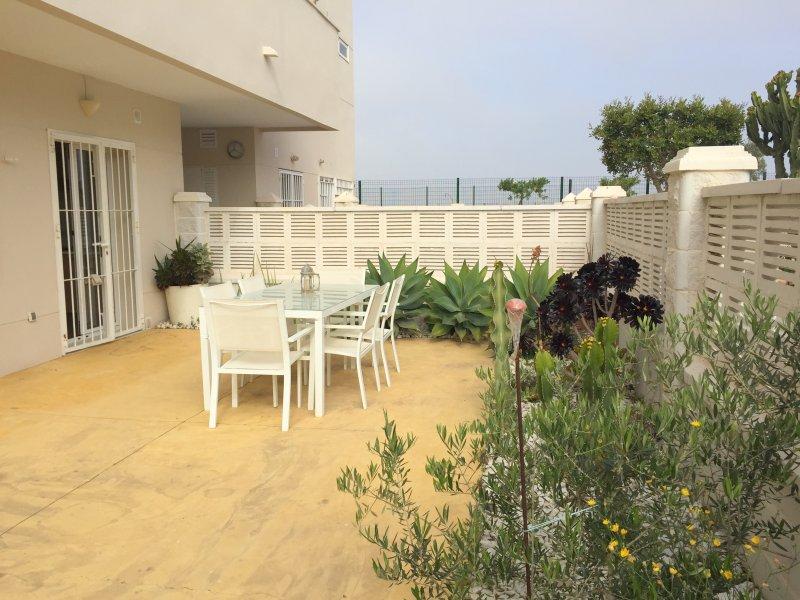 Casa Jardin, golf y playa – semesterbostad i El Toyo