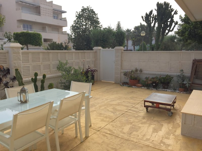 Casa jardin golf y playa tripadvisor el toyo location for Casa ciudad jardin almeria