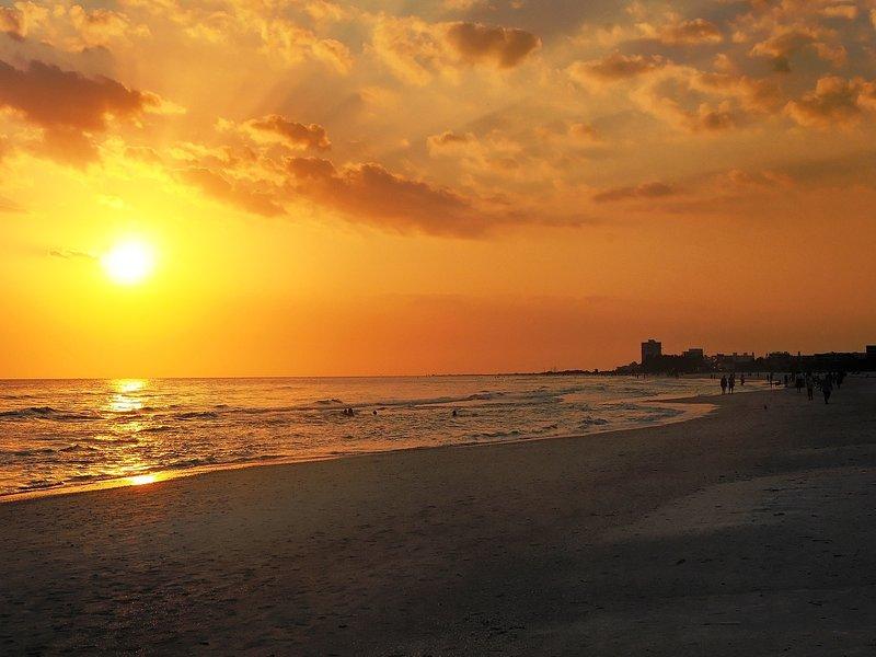 Hermosa puesta de sol clave Siesta