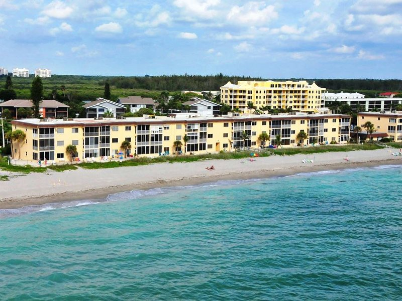 Siesta Key - Gulf-Front Retreat - 2 BR – Free Boat Docks - Upscale, vacation rental in Siesta Key