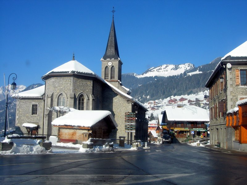 Chatel town center