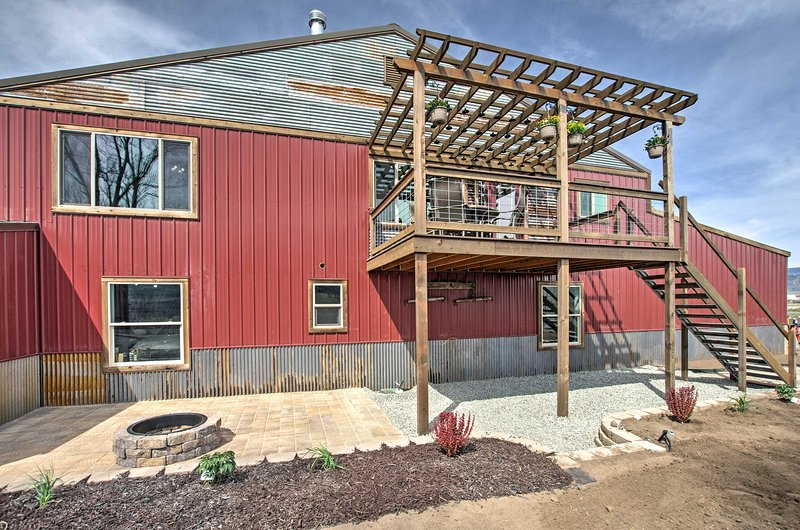 For the ultimate Montana getaway, book this cozy vacation rental apartment!
