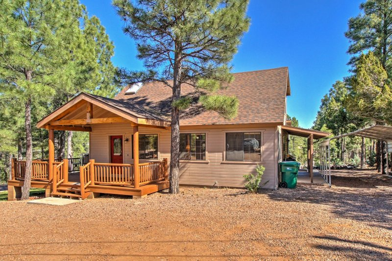 Escape to Show Low in comfort when you stay at this charming vacation rental house.