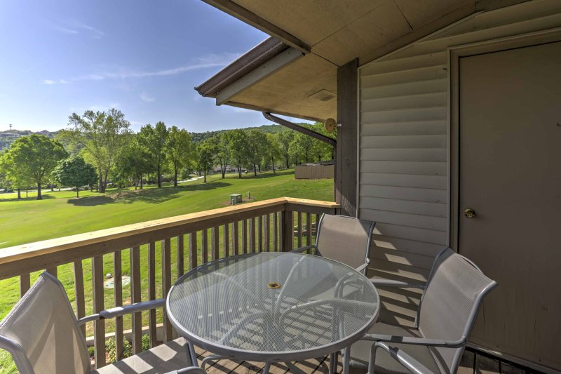 Experience all that Branson has to offer when you stay at this 1-bedroom, 1-bathroom vacation rental condo!