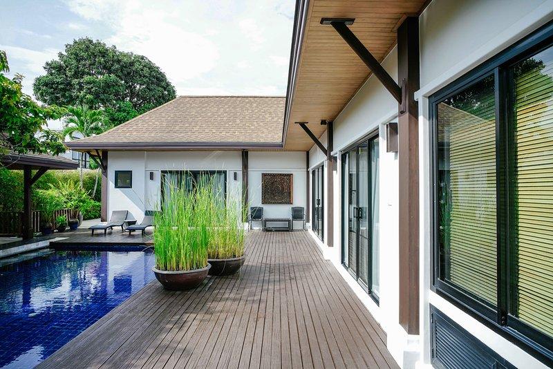 Tropical Naya Villa, location de vacances à Nai Harn