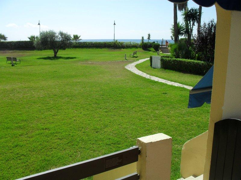 jardin con salida a playa