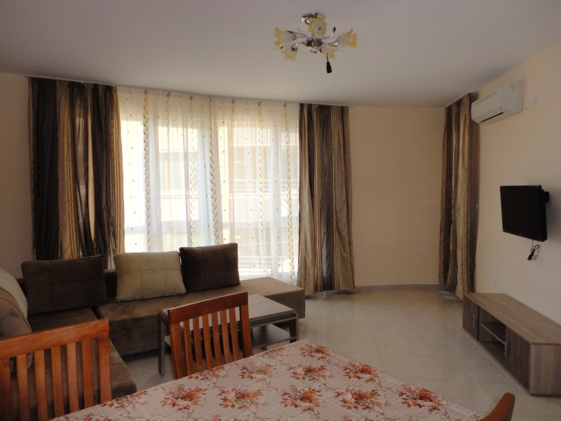 Beautiful apartment, 100m from the beach, vacation rental in Pomorie