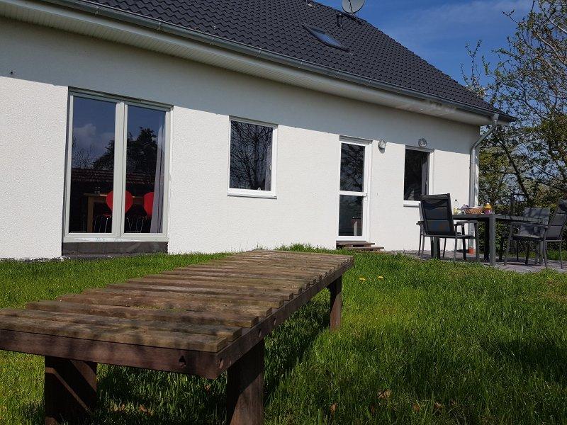 Ferienwohnung Deichblick 2 m.Sauna+Whirlpool, Motorboot, casa vacanza a Finsterwolde