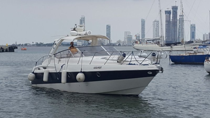 Cranchi 41ft, holiday rental in Turbaco