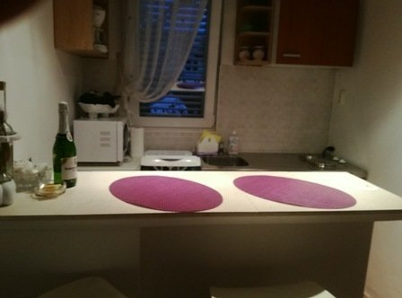 Purple (2+1): kitchen and dining room