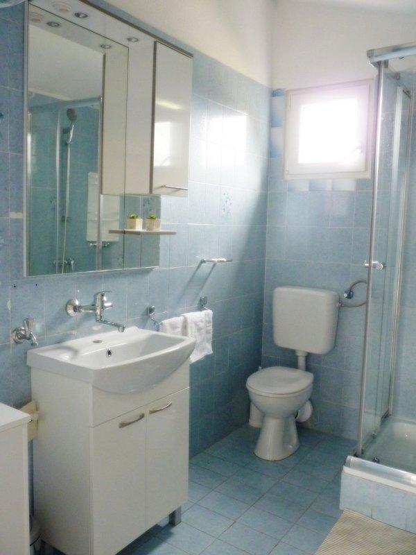 A1 (5 + 1): baño