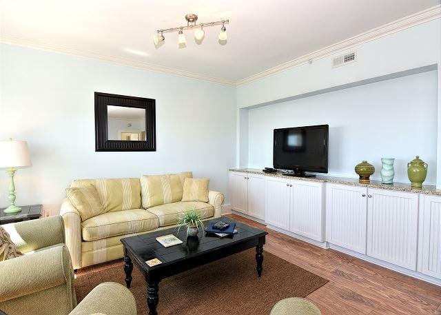 Duneridge 2211 Living Room