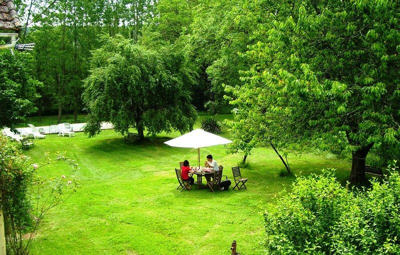 Vista do jardim de Villa Mimosa (visto da janela do quarto)