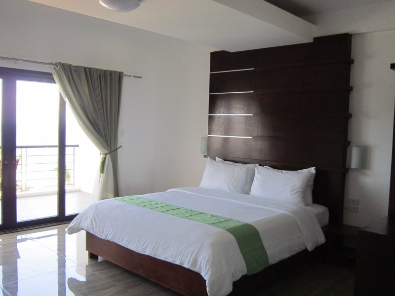 Manarra Sea View Resort Suite Room, vacation rental in Puerto Galera